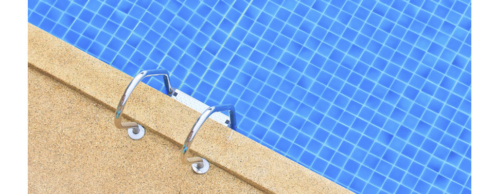 Contact piscinier solli s pont r parateur de piscine for Accessoire piscine sollies pont